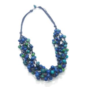 Collana in semi di açaì in tonalità blu/verde/turchese – TAYA