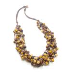 Collana in semi di açaì in tonalità naturali/avorio/giallo ocra – TAYA