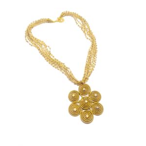 Collana con ciondolo in oro vegetale e catena in perline di vetro – TAYA