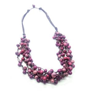 Collana in semi di açaì in tonalità viola/vino – TAYA
